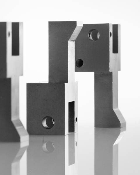 officina meccanica lavorazioni meccaniche stampi automazioni chioschi mobili