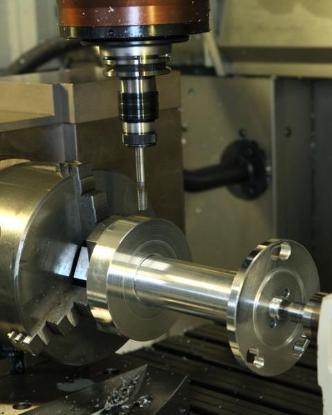 Macchine utensili lavorazione metalliche Officina